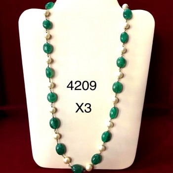 Emerald And Pearl Long Necklace