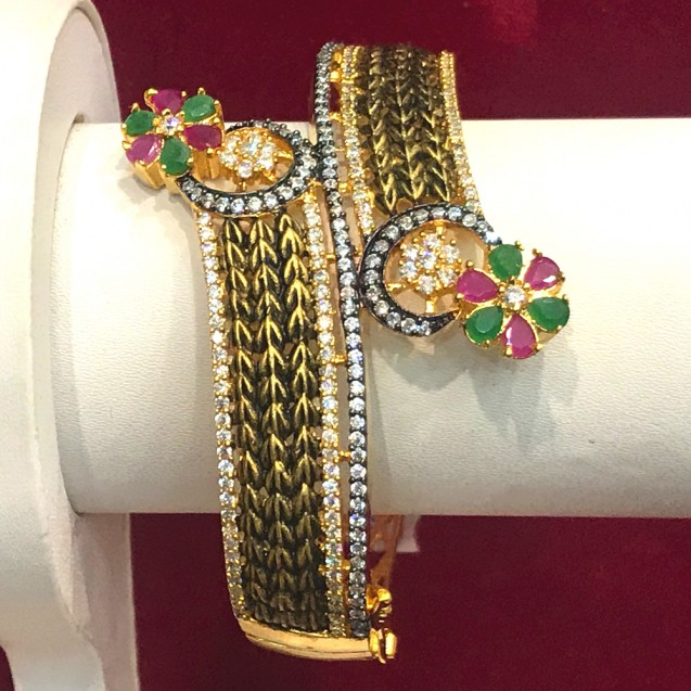 Exclusive Gold Plated Bracelet for Women For Party wear and Wedding purpose