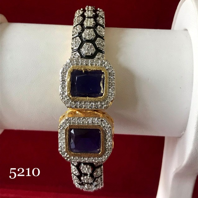 AD BRACELET WITH BLUE SAPPHIRE PC SHINING WITH SILVER POLISHED