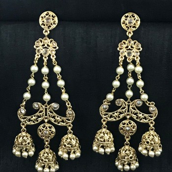 GOLD ALLOY PLATTED LONG JHUMKA IN CHAIN WITH PEARLS EARRING