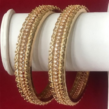 GLORIYA'S RICH CLASS GOLDEN POLISH BANGLE WITH TOP QUALITY AD