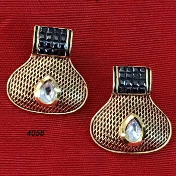 Tops Style Golden And Black Earring