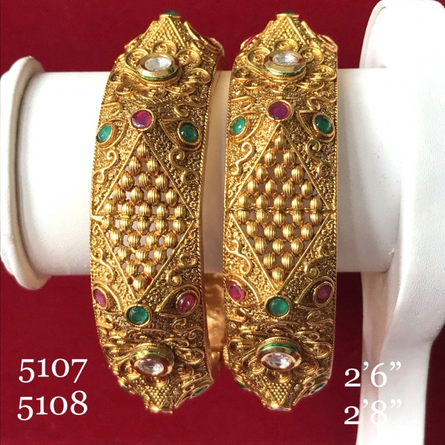 GLORIYA'S HIGH END COLLECTION GOLD HAND WORK INDIAN TRADITIONAL WEAR BANGLES