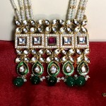 WEDDING WEAR KUNDAN CHOKER NECKLACE PENDANT SET WITH LONG BEADS OF PEARLS AND EMERALD
