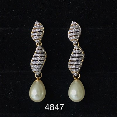 A Designer  New Stylish Daily Use Beautiful Earring with American Diamond